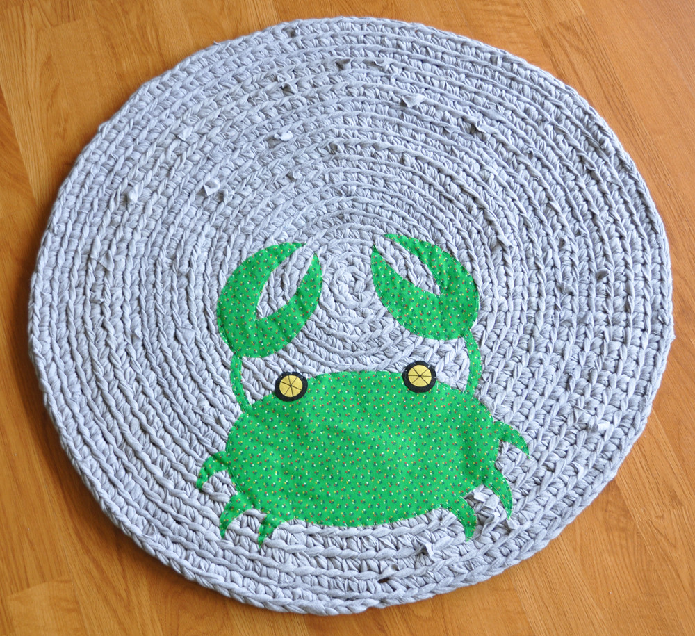 Green Beach Crab Recycled Rug