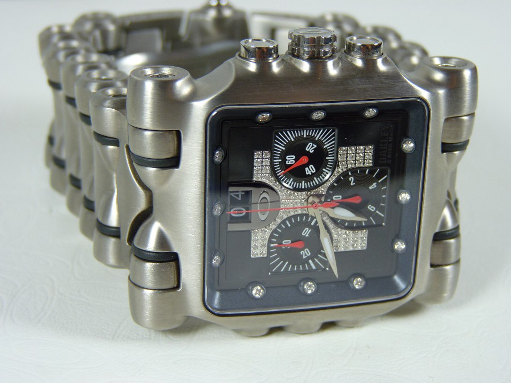 who makes oakley watches k9rm  Oakley Minute Watch