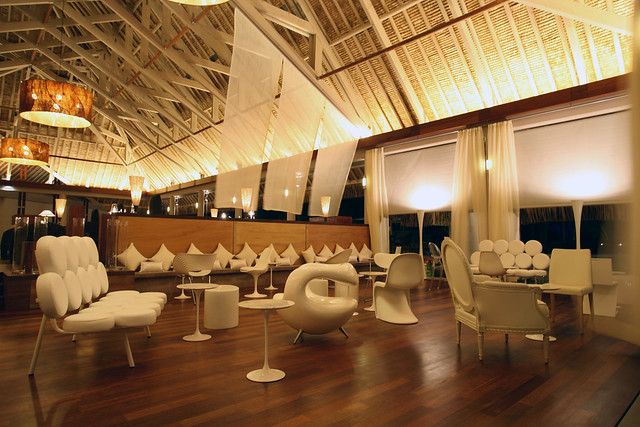Bubbles bar & lounge at the InterContinental Bora Bora Resort & Thalasso Spa