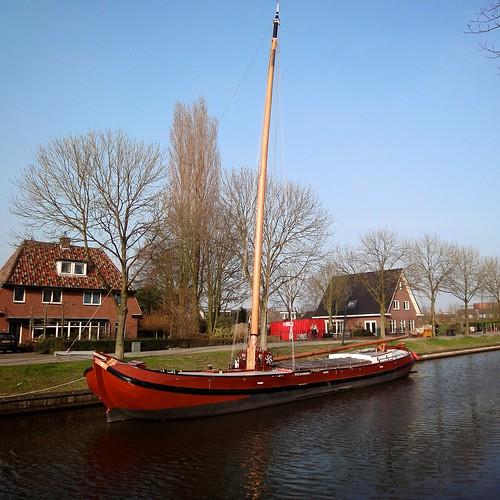 Tjalk op de Leidse Rijn (1) by ednl
