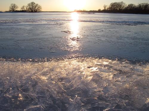 snow ontario ice water frozen cornwall shore shards g12 brashice lakestlawrence