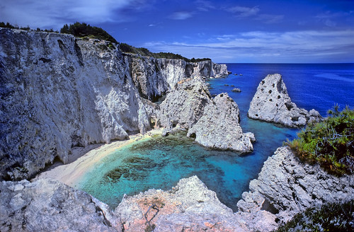 Beach below the cliffs - Tremiti Islands, Italy - Copyright by Martin Liebermann