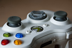wheel(0.0), xbox 360(0.0), game controller(1.0), electronic device(1.0), joystick(1.0), gadget(1.0),