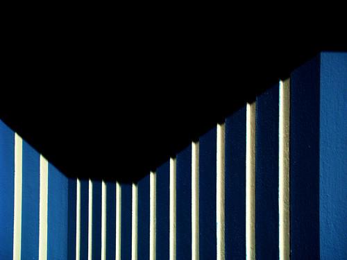 blue shadow sunlight white abstract portugal lines sunshine wall contrast shadows geometry stripes sony ps minimalism contrasts aveiro torreira riadeaveiro ip3 so3 sonydsch9 ilustrarportugal ilustrarportugalsérieouro sérieouro ip6 ubichan dizajnersi mygearandme mygearandmepremium mygearandmebronze mygearandmesilver mygearandmegold mgam5 mgamp6 mgams10 mgams9 ipserieouro
