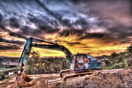 trees sunset water rain clouds hill machine soil dirt 1022mm hdr manfrotto excavator kobelco photomatix bruneidarussalam canon50d 055probbruneidarussalam worldmachines