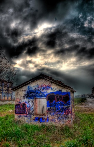 sunset canon landscape graffiti cityscape decay urbandecay diary greece vip cannon handheld hdr photodiary larissa urbanlandscape wwh 500d canon500d ελλάδα project365 365days τοπίο cannon500d λάρισα 1855mmis awardtree hdrcreativeshots cannonhdr