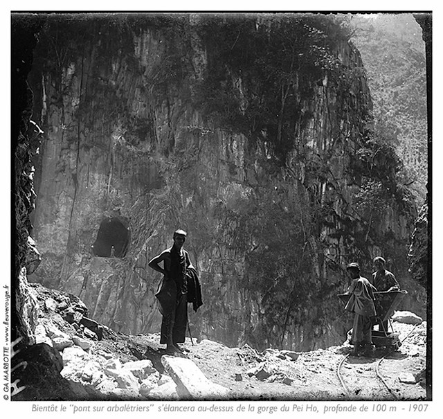 Yunnan_tunnel_gorge_Pei_Ho_01_3