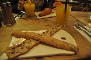 http://hojeconhecemos.blogspot.com/2011/02/le-pain-quotidien-madrid-espanha.html