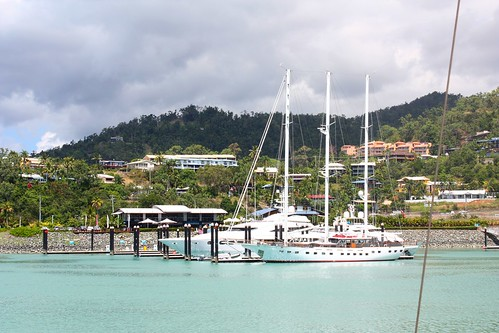 DSC77/Australia/Queensland/Airlie Beach harbour
