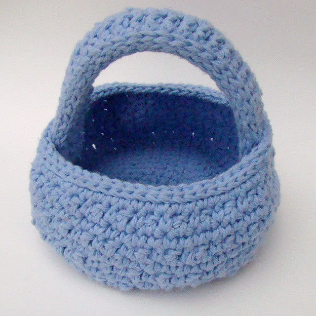 Free Pattern Crochet Easter Basket : FREE CROCHETED EASTER BASKET PATTERN Crochet Tutorials