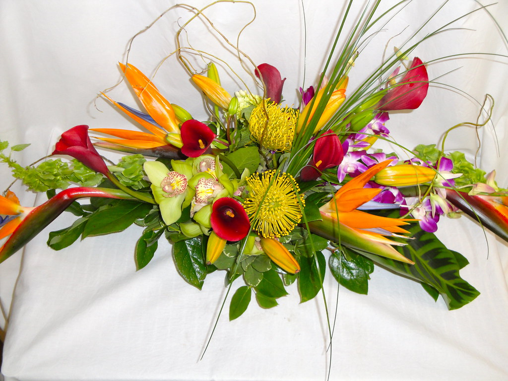 Tropical flowers centerpieces