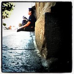 Sentado esperando
