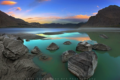 pakistan sunset cloud mountain mountains reflection nature water river landscape pond rocks indus supershot flickrdiamond atifsaeed gettyimagespakistanq1