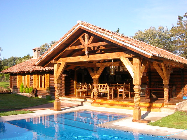 Casa de troncos de madera al estilo de transilvania - Casas canadienses en espana ...