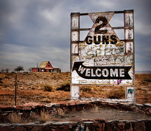 Two Guns Entrance Sign