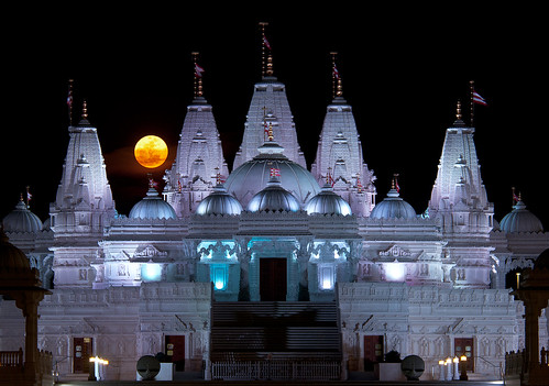 moon jeff night georgia temple photography lowlight indian super moonrise hindu mandir baps shri lilburn swaminarayan 2011 perigee jlmphoto supermoon milsteen