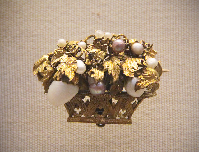 Flower-basket brooch with coloured pearl, probably English, 19c