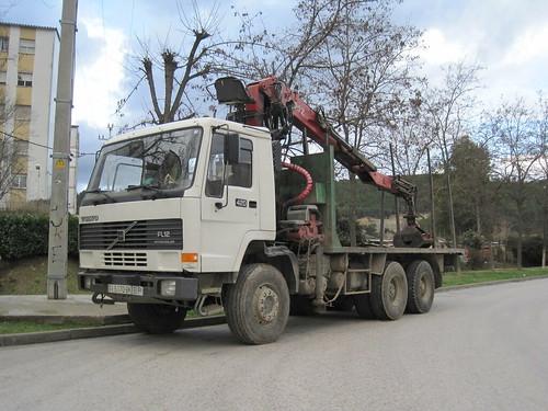 Camió Volvo de labors forestals a Sant Julià de Ramis (Gironès)