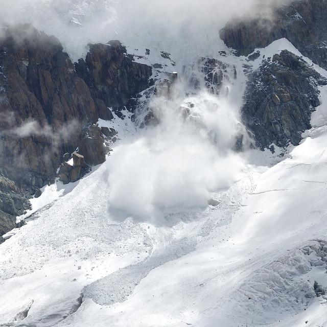 Chute de sérac, massif du Mont Rose