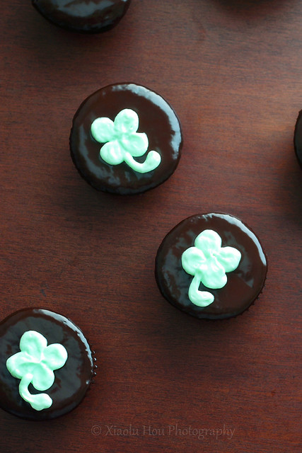 Thin Mint Shamrock Cupcakes