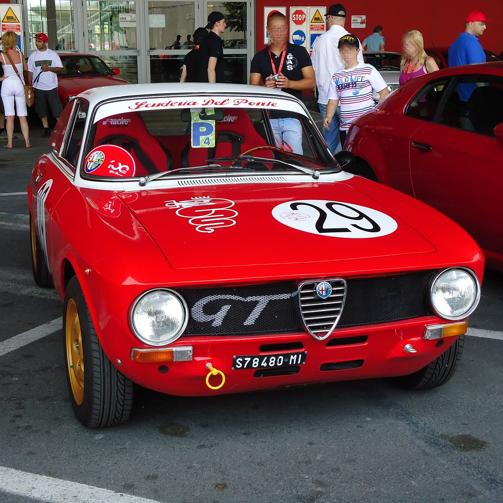 29 Alfa Romeo Giulia Gt 1300 Junior Bertone Coupe A Photo On