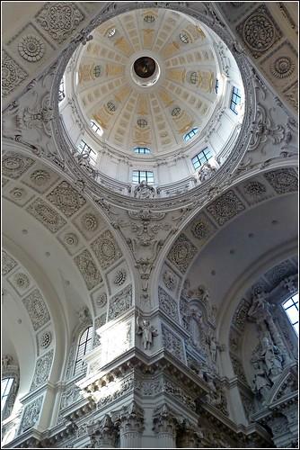 Theatinerkirche - Kuppeldecke