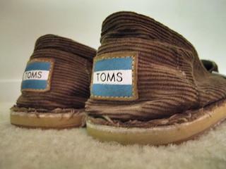 http:// tomsshoescheaps.com/