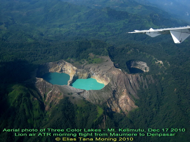 Kelimutu-Three-Lakes-Together-03-small-noted