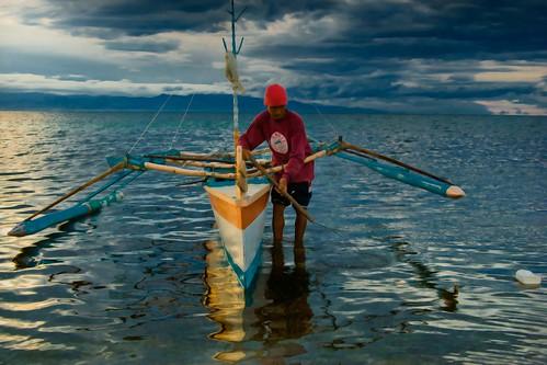 sea sky water clouds sunrise boat fisherman philippines fisher mateo pinoy boatman pilipinas pangasinan banca fishery outrigger fisherfolk livelihood dasol thehousekeeper tambobong georgemateo