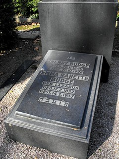 Grave of Henry Budge (1840-1928) - Donor - and his Wife Emma Budge, nee Lazarus (1852-1937) - Benefactress