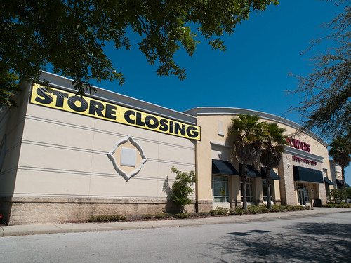West Oaks Mall Borders Closing Store Front