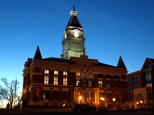 lighting sunset night lights evening twilight downtown tn dusk tennessee restored courthouse clarksville montgomerycounty courtscenter