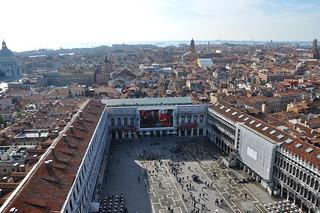 http://hojeconhecemos.blogspot.com.es/2010/10/do-piazza-san-marco-veneza-italia.html