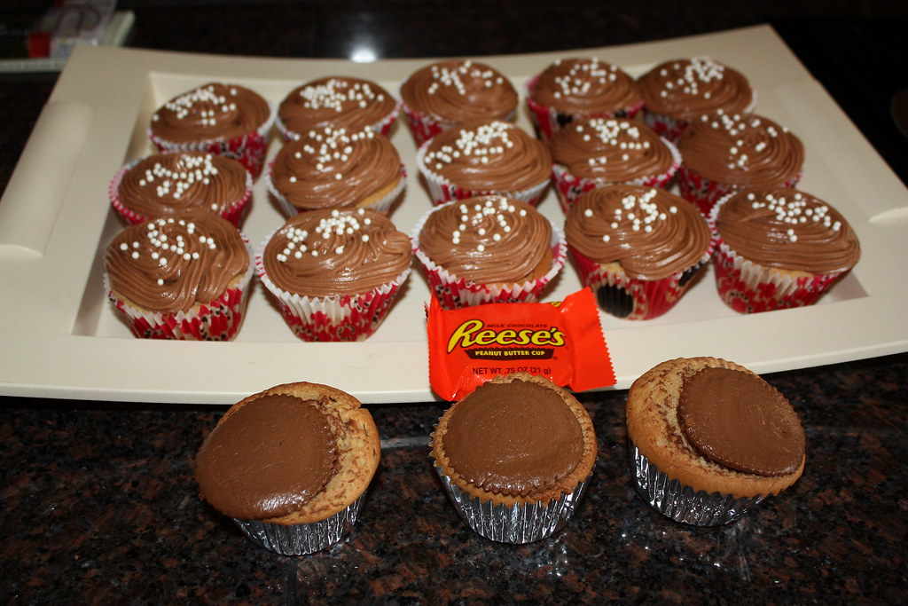 Reese's Peanut Butter Cup-Cakes