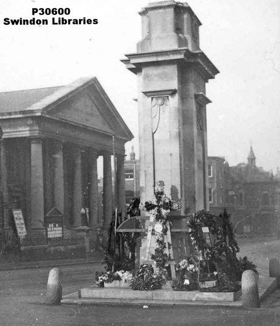 c1930: Flowers at the Cenotaph, Regent Circus, Swindon