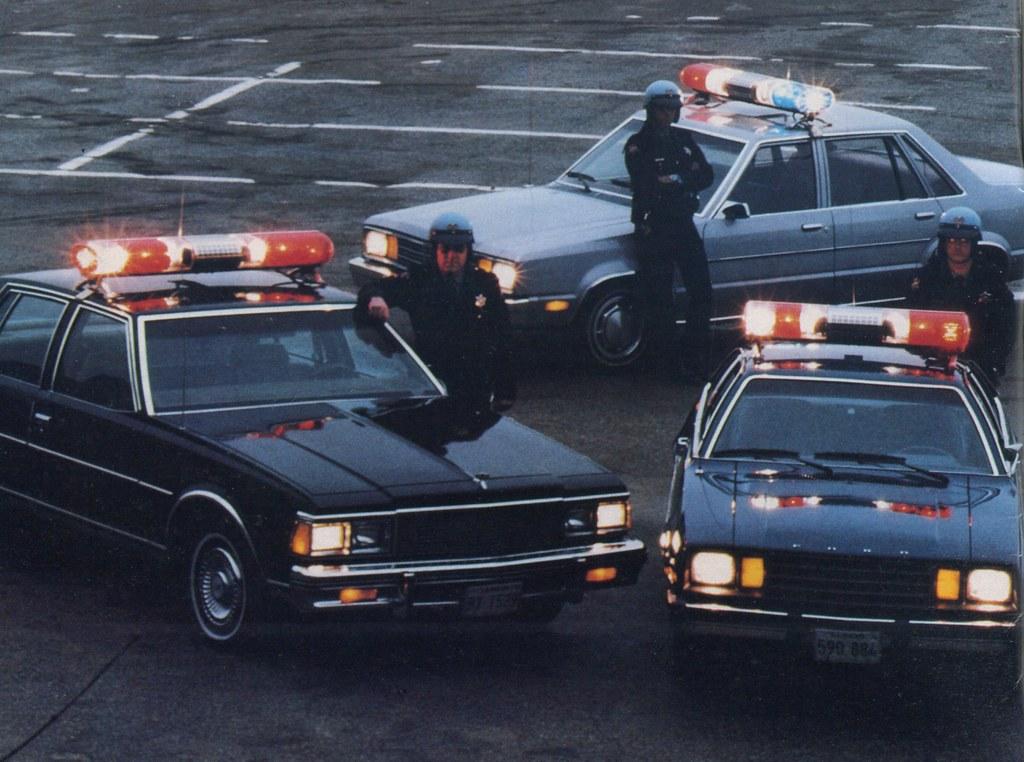 Vintage Federal Aerodynic Police Car Light Bar