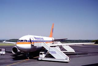 Hapag-Lloyd Airbus A30-304; D-AHLA@PAD;11.08.1995