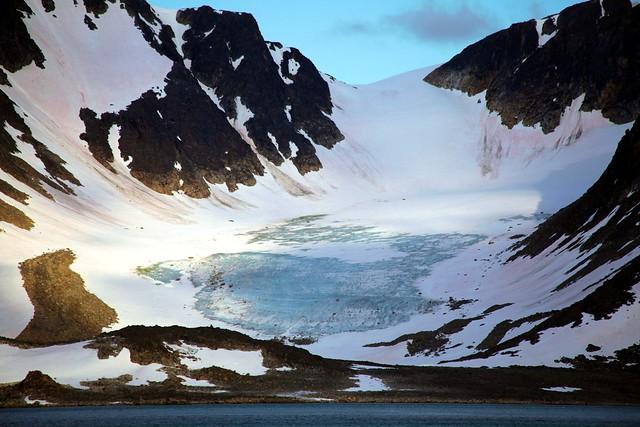 Magdalenefjord - Mountain Glacier