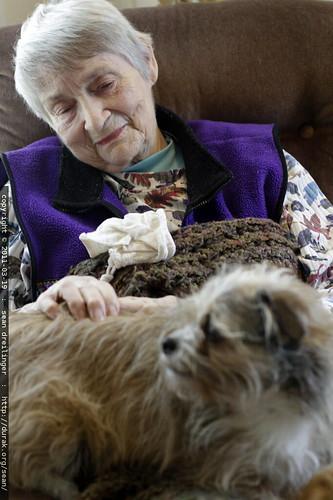 joan petting oscar