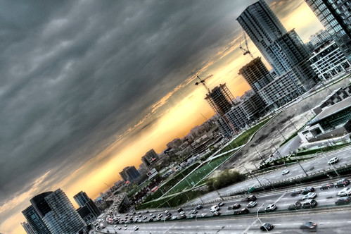 sunset sky sun toronto ontario canada west cars clouds canon buildings highway gardiner hdr photomatix ef24105l t1i TGAM:photodesk=height