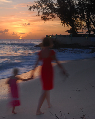 ladies sunset red sea sky sun beach sand nikon barbados 24mmf28 d80