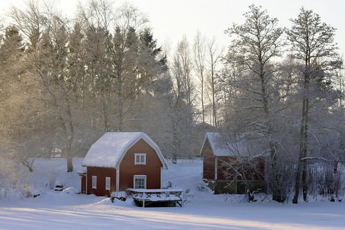 winter house snow ice river bath sweden sverige hdr östergötland motalaström sigma70300mmf456apodgmacro canoneos7d
