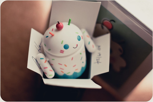 White Cupcake Android