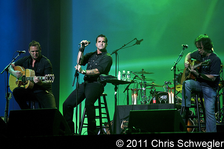 Photos of scott stapp from april 8th 2011 at the sound for Motor city casino com stay