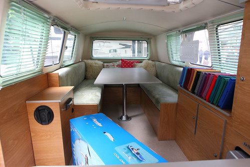 Image gallery kombi vw camper interiors for Vw kombi interior designs