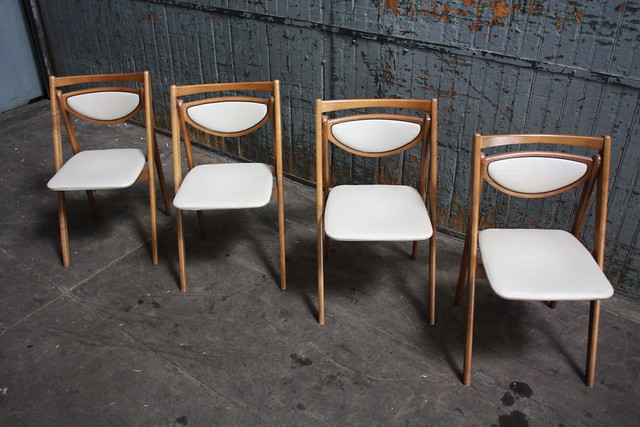 Vintage mid century Stakmore folding chairs