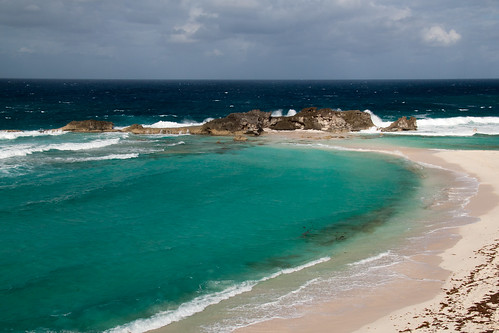 ocean blue beach water waves views turksandcaicosislands middlecaicos dragoncay mudjinharbor crossingplacetrail