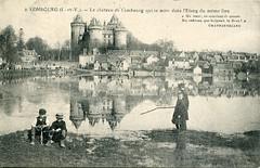 2. Combourg (l.-et-V.) - Le château de Combourg qui se mire dans l'Etang du même lieu (c.1919)