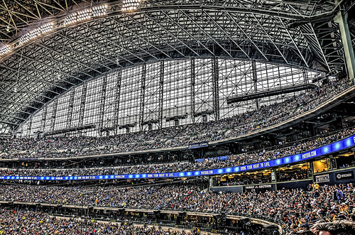sports wisconsin baseball milwaukee crowds millerpark hdr chicagocubs milwaukeebrewers odc nikkor18300mm ourdailychallenge