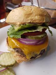 土, 2011-04-02 12:41 - 67 Burger オアハカバーガー